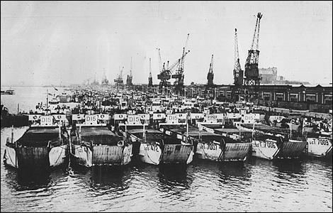 Southampton landing Craft Mustering in Southampon for D-Day